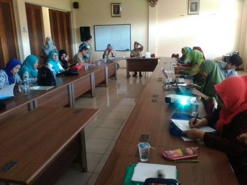 Rapat Revitalisasi Posyandu di Aula Kecamatan Cileungsi