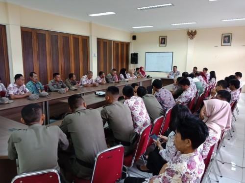 Kegiatan Briefing Camat Cileungsi beserta Pegawai Kecamatan Cileungsi