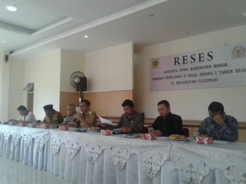 Kegiatan Reses Dewan di Aula Gedung Serba Guna Kecamatan Cileungsi