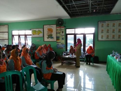 Kegiatan Pelatihan Peningkatan Kapasitas Kader Posyandu di Desa Limusnunggal