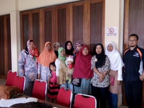Kegiatan Pertemuan PKH di Aula Kantor Kecamatan Cileungsi